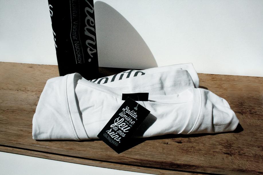 Tee-shirt - étiquette - fourreau